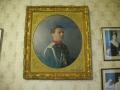 Портреты на стенах дворца