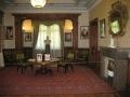 Королевская отделка помещений Массандровского дворца (стулья, стол)